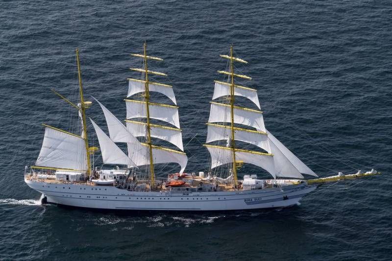 Новый парусный учебный корабль Bima Suci